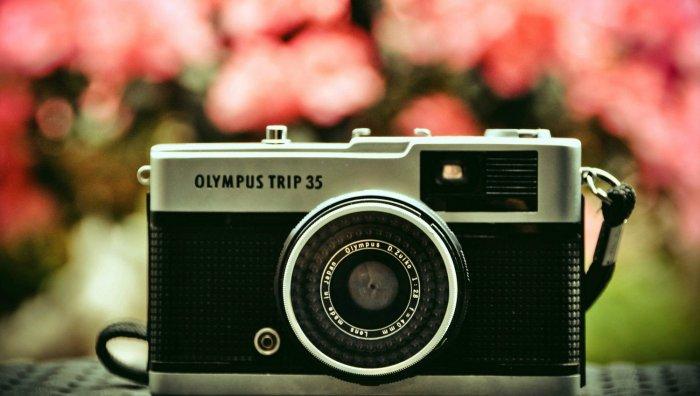 Фотоаппарат в подарок девушке