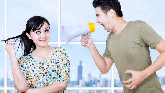 Что делать, если девушка игнорирует